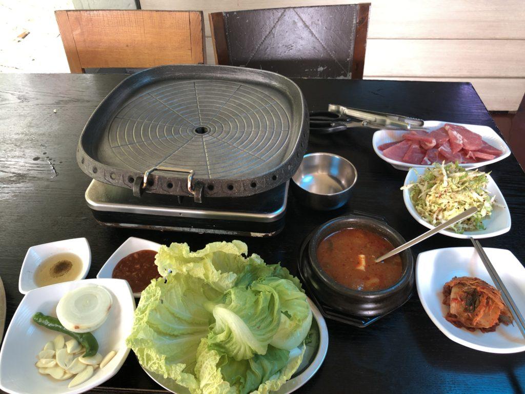 ドゥマゲテの韓国料理・サムギョプサル