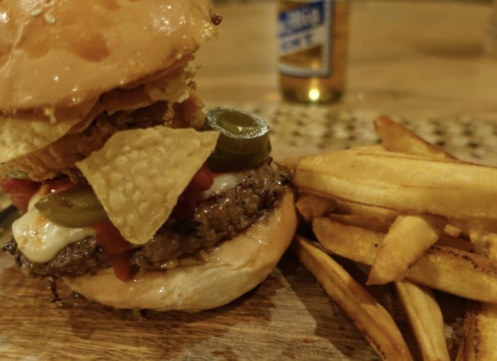 シキホール・ハンバーガー・美味しいお店 レストラン