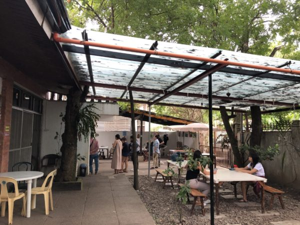 ドゥマゲテのベジタリアンレストラン