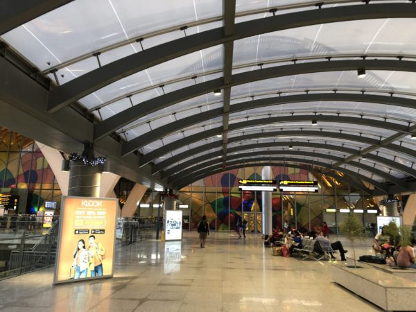 マクタン空港で新しいターミナルがオープン