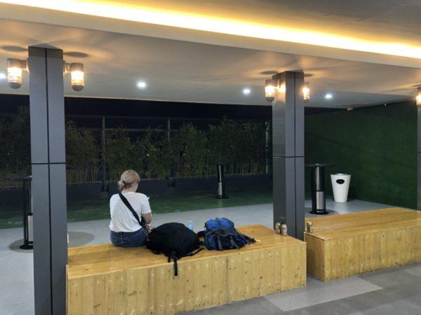 マクタン空港の喫煙所