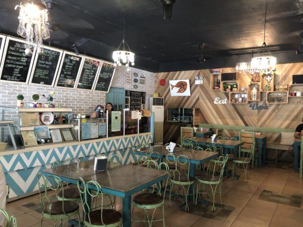 カフェラテが美味しい、ドゥマゲテのカフェ「キオスコ」