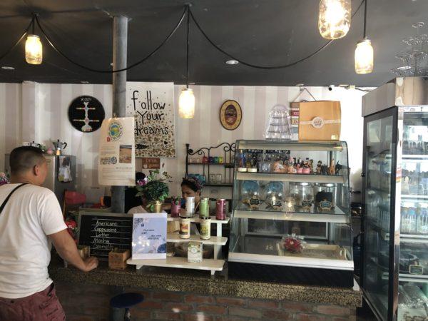 テイクアウトもできるカフェ「キオスコ」