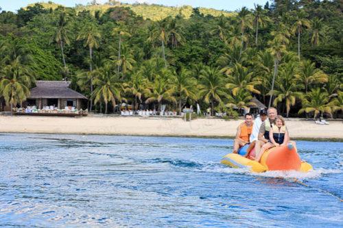 シキホール ココグローブのバナナボート