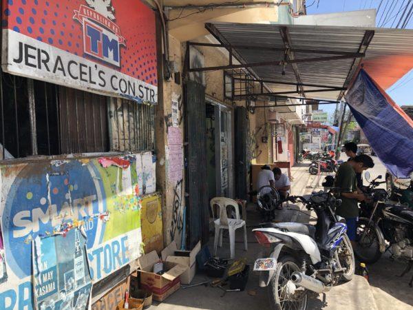 ドゥマゲッティのバイク部品店