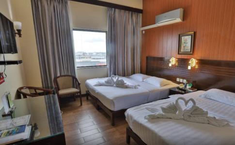 ドゥマゲテのダウンタウンに位置するホテル