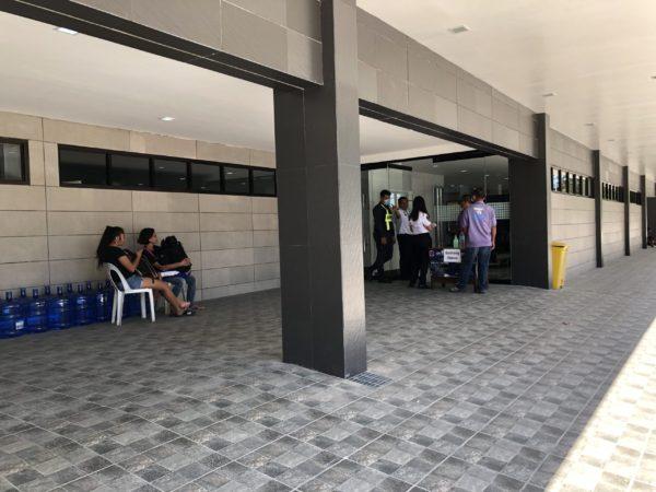 ドゥマゲッティ空港でのコロナ対策・消毒