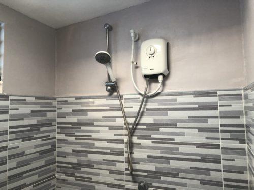 温水シャワーがある二階のお風呂