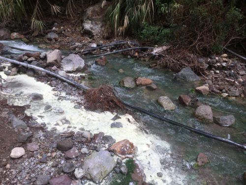 ダーウィン・バスレイ温泉への道