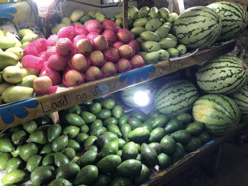果物市場のリンゴ