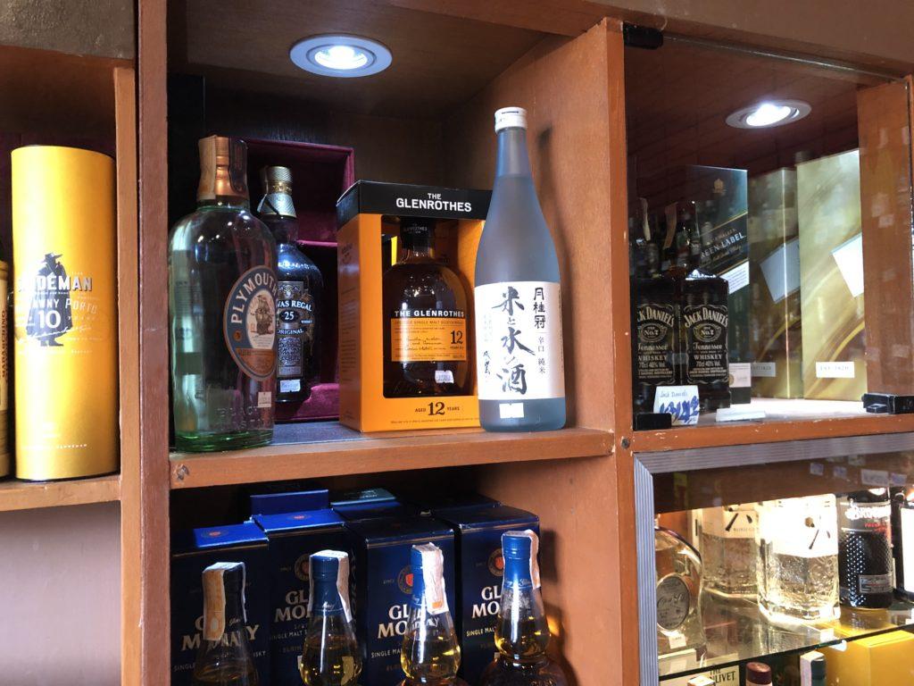 ドゥマゲッティでスコッチが買える場所