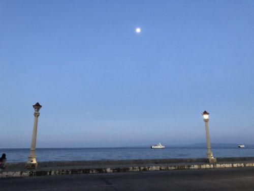 ドゥマゲッティのリザル通り 夜の風景3