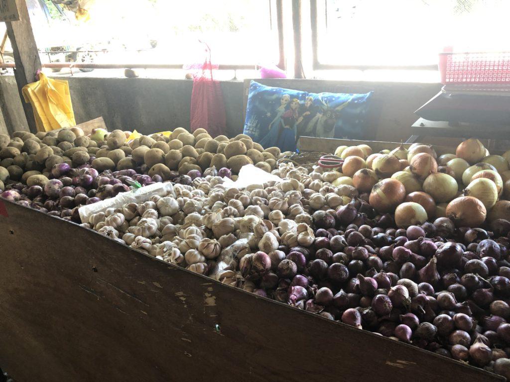 ドゥマゲッティの青果マーケット