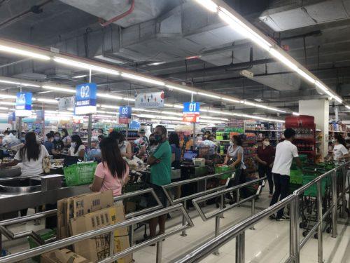 ドゥマゲテのリープラザ:食料品売場