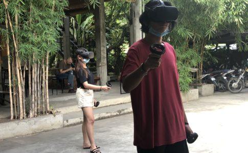 VRヘッドセットで体験